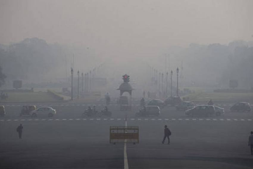 Dense Fog Engulfs Delhi, Low Visibility Expected To Cause Flight Delays