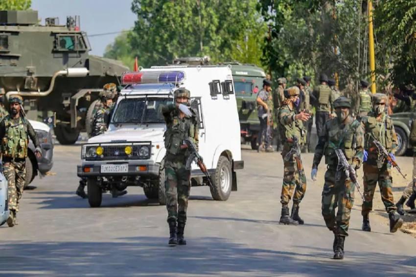 3 Terrorists Killed In Encounter In J-K's Pulwama, Civilian Injured