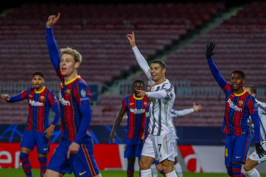Barcelona 0-3 Juventus: Cristiano Ronaldo Trumps Lionel Messi As Juve Top  Champions League Group