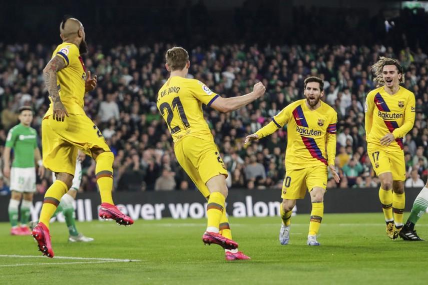 De Jong Messi