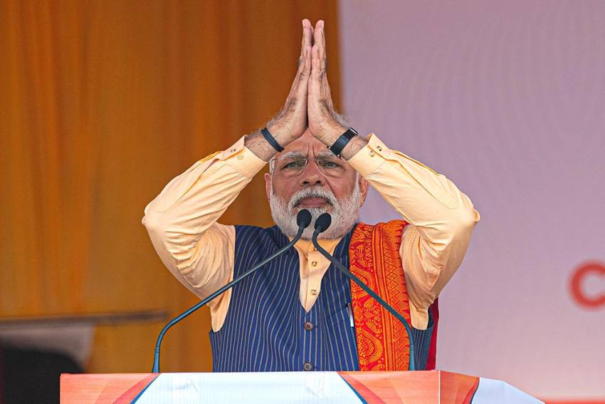 PM Modi Congratulates Kejriwal After AAP's Resounding Victory In Delhi