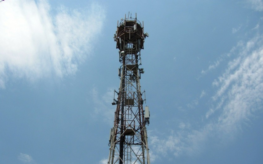 After SC Rap, Govt Orders Telecom Companies To Clear Dues By Friday Midnight