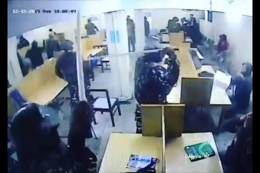 Video: December 15 CCTV Footage Shows Cops Thrashing Students In Jamia Millia Islamia Library