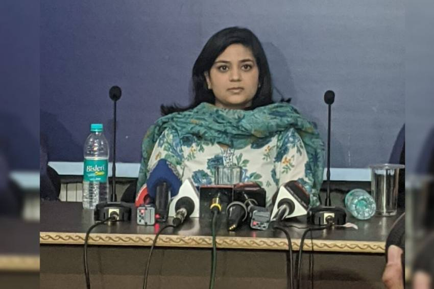 'Don't Know If PM Modi Is Misled Or He Misleads Intentionally': Mehbooba Mufti's Daughter