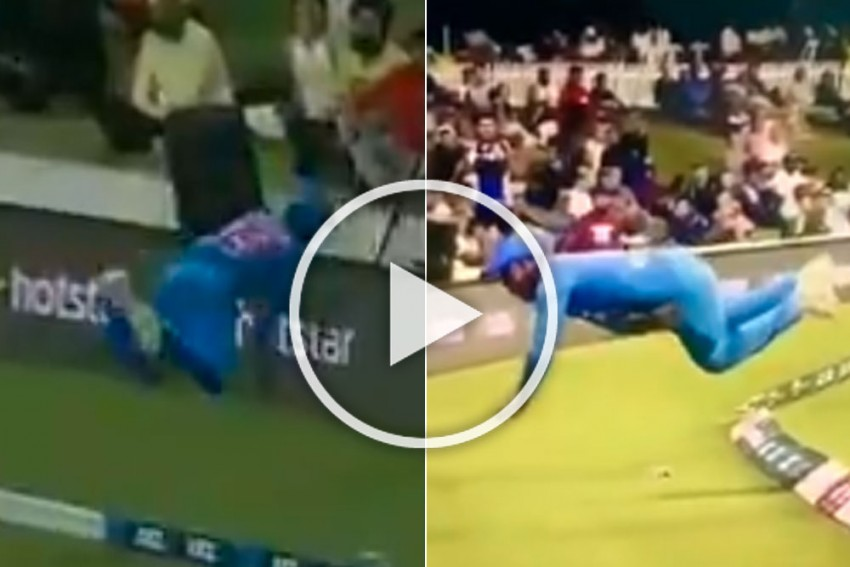 NZ Vs IND, 5th T20I: Sanju Samson Steals The Thunder In New Zealand With Unbelievable Flying Effort - WATCH