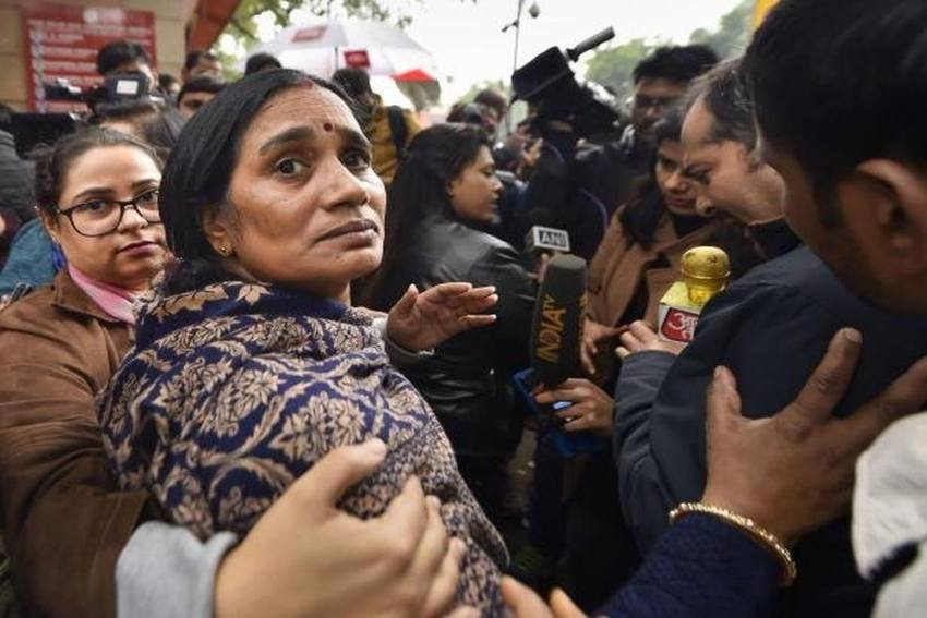 'Convicts' Lawyer Delaying Justice By Misguiding Court': Nirbhaya's Mother