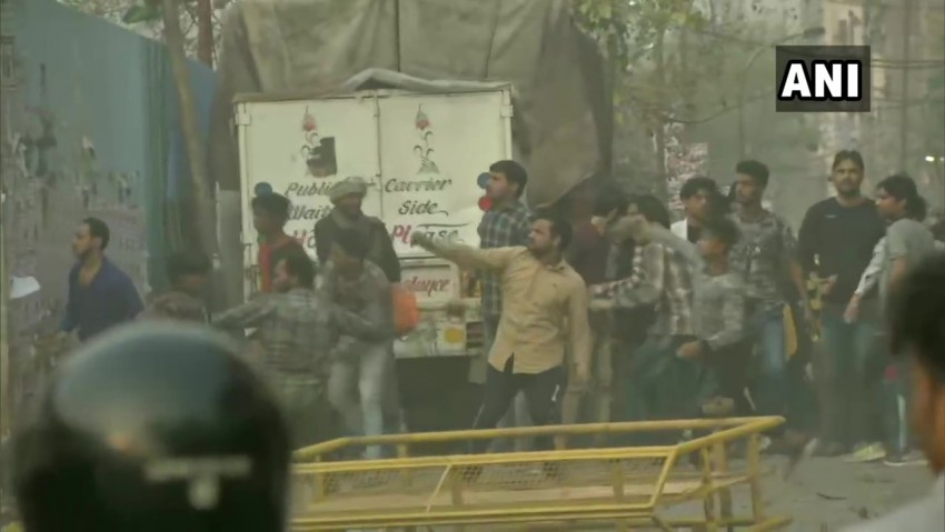 Stone Pelting, Clashes Between Two Groups Near Anti-CAA Protest Site In Delhi