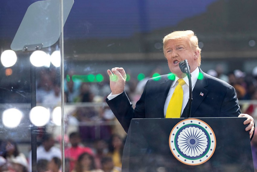 Trump Lauds Bollywood With Special Mention Of 'DDLJ' & 'Sholay' at 'Namaste Trump' Event