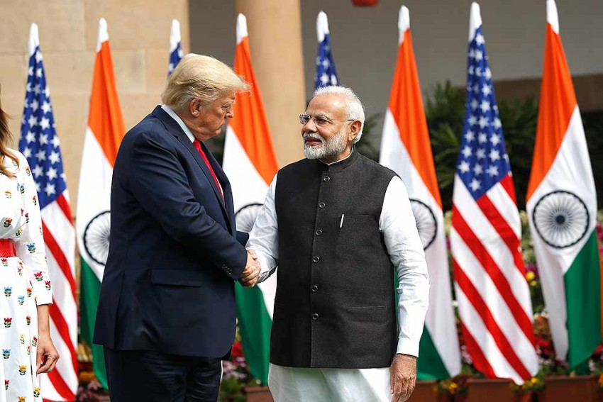 India And US Sign 3 Pacts, Finalise Defence Deal Worth USD 3 Billion