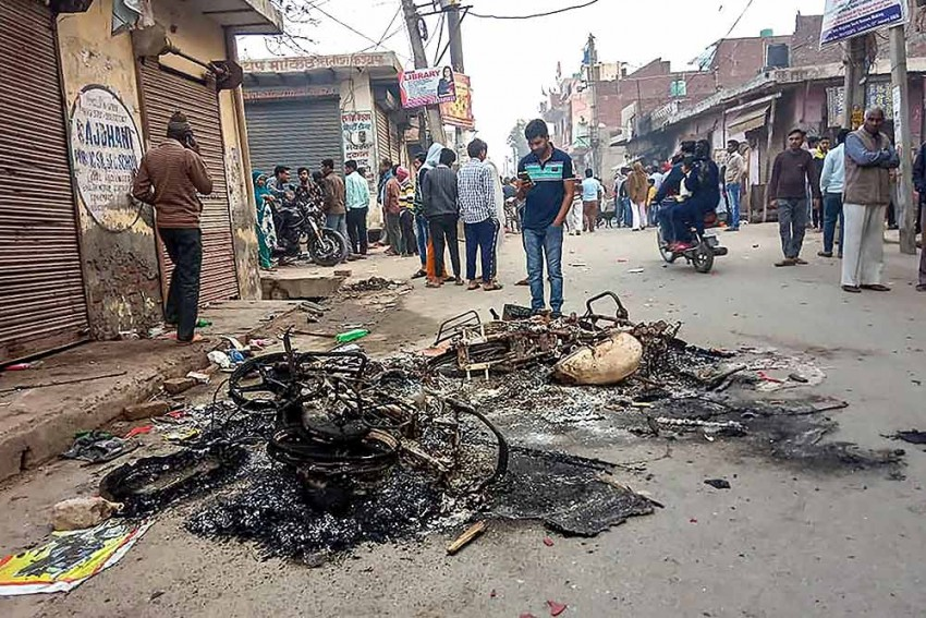 Delhi Minority Commission Demands More Police Deployment, Curfew In Violence-Hit Areas