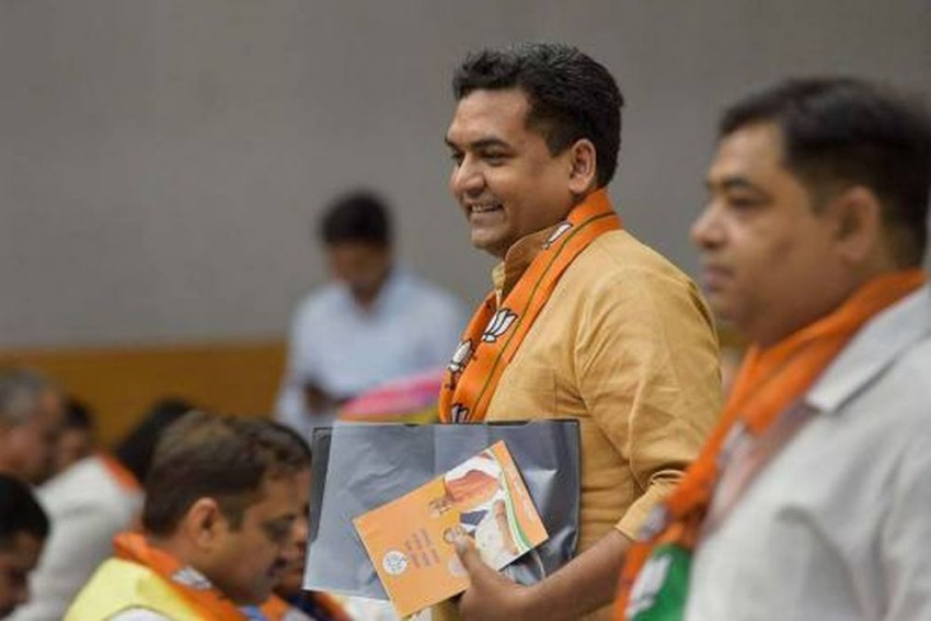 'Now, Owaisi Will Also Recite Hanuman Chalisa': BJP's Kapil Mishra Stirs Another Row