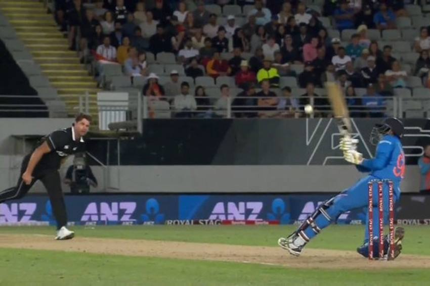 NZ Vs IND, 2nd ODI: Navdeep Saini Wins Hearts With Entertaining Knock, Misses Maiden Fifty By Whisker