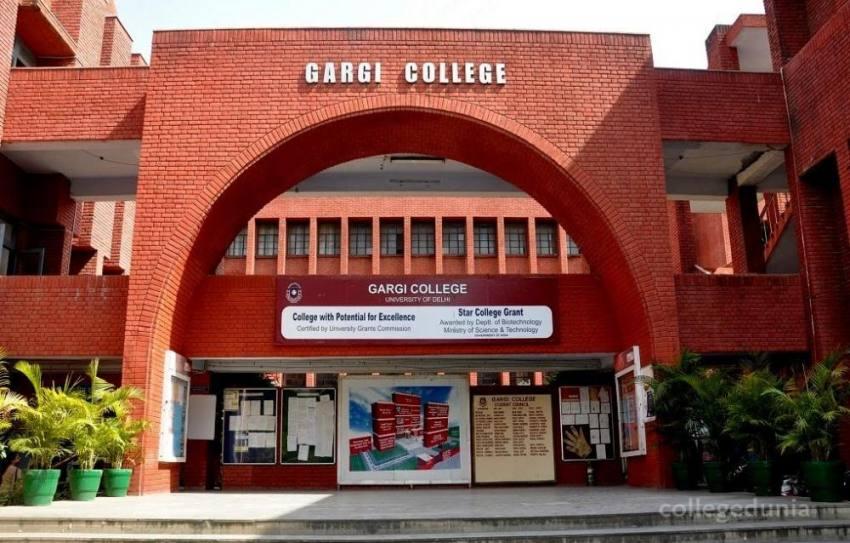 Students Of DU's Gargi College Allege Molestation During Fest