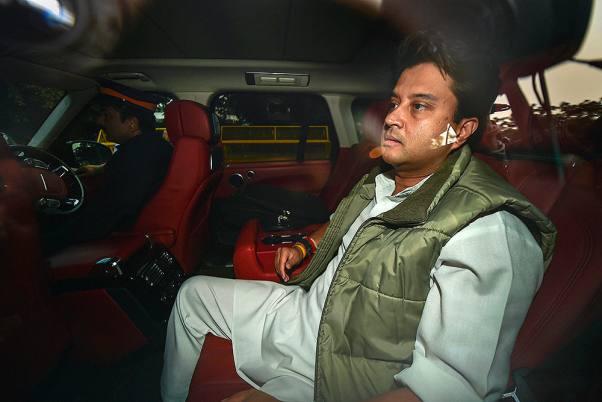 MP Govt Crisis: Scindia Quits Congress, Sonia Gandhi Expels Him For Anti-Party Activities