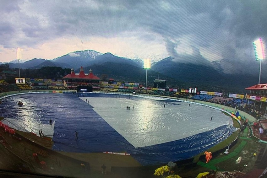 IND Vs SA, 1st ODI: Rain Threatens To Wash Out Dharamsala Match, Angry Fans Blast BCCI For Poor Scheduling