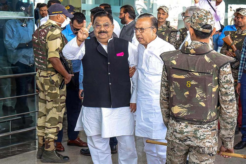Madhya Pradesh Crisis: Congress MLAs Return From Jaipur Ahead Of Trust Vote, Say 'We Will Win'