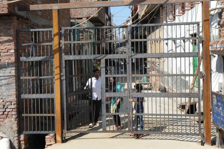 Ghettoisation Of Riot-scarred Delhi: Iron Gates Spring Up To Separate Communities