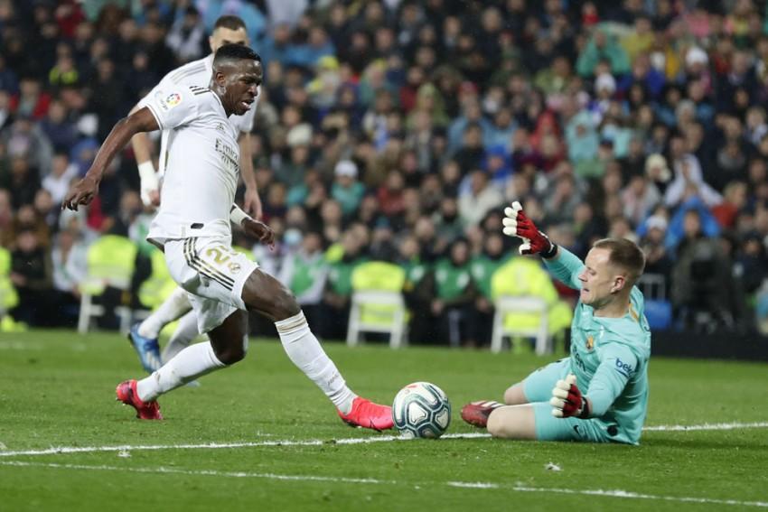 La Liga | Real Madrid 2-0 Barcelona: Vinicius, Mariano Strike In El Clasico To Send Zidane's Men Top