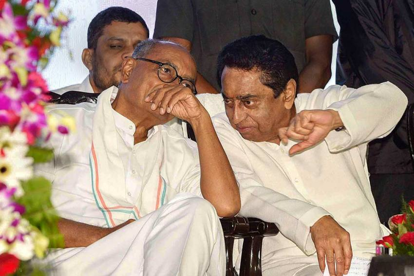 Kamal Nath Govt On Brink Ahead Of Floor Test in MP; Congress, BJP Issue Whips