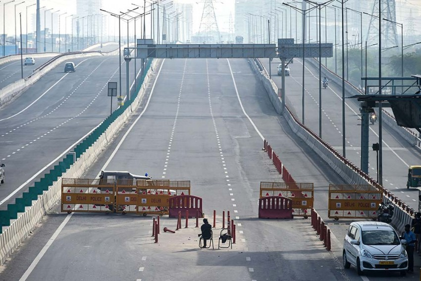 Curfew Passes To Be Necessary For Travel Between Delhi, Neighbouring Areas