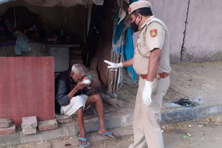 The Delhi Cop Who Looks After 350 Poor Families Amid Coronavirus Lockdown