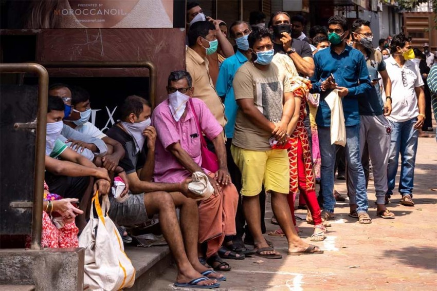 India's Coronavirus Case Count Reaches 918 After 179 New Cases Emerge In Single Day