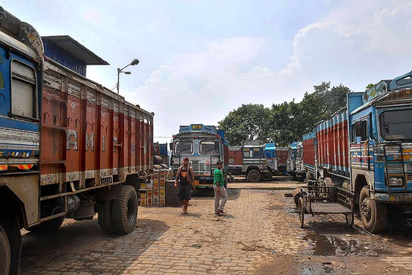Transportation Of Non-Essential Goods Also Allowed During Lockdown: Home Ministry