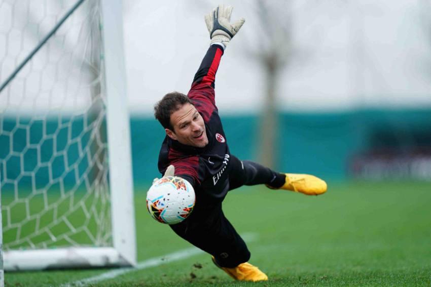 AC Milan Footballer Asmir Begovic Seeks Help, Says Mother Of Agent Stuck In Goa Due To COVID-19 Lockdown