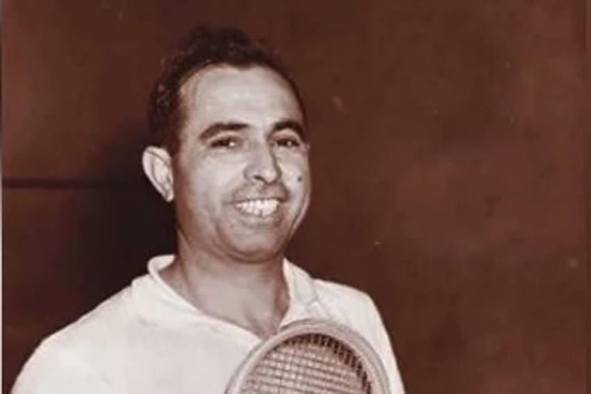Coronavirus: Pakistani Squash Legend Azam Khan Dies In London