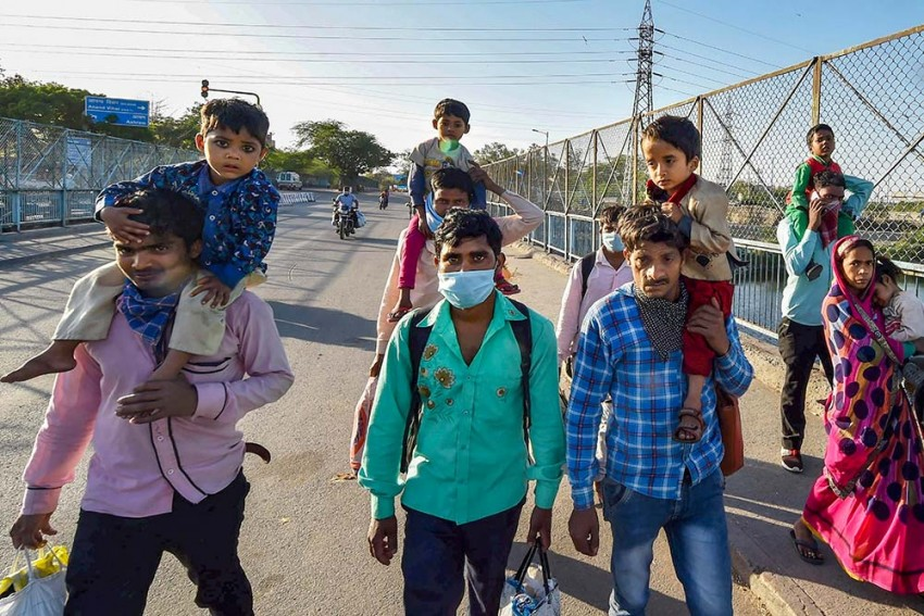 Coronavirus: With 4 Deaths In 24 Hrs, India Toll Reaches 29; Cases Rise To 1,071