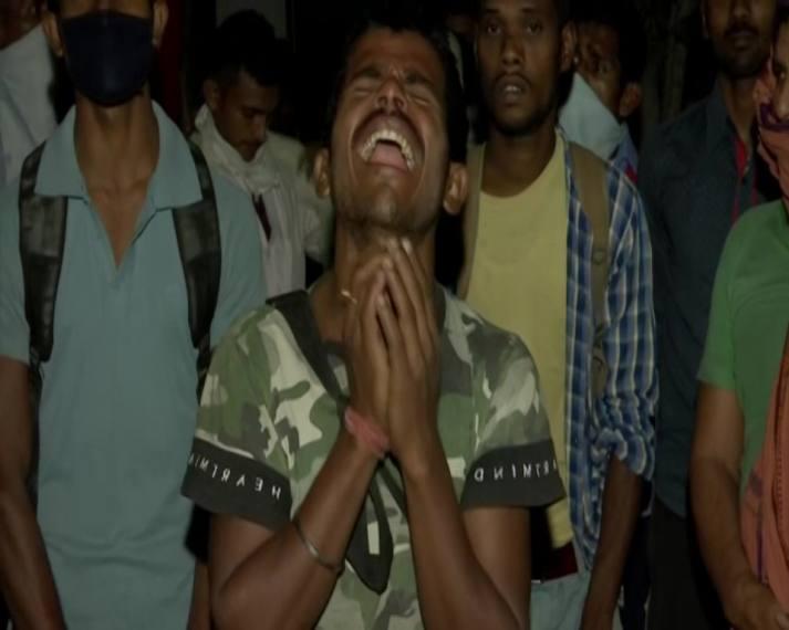 'My Mother Is Dead. I Am Stuck In Coronavirus Lockdown': Bihar Labourer Cries For Help In Delhi