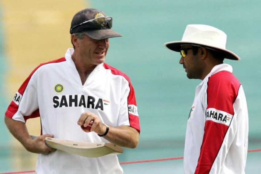 EXCLUSIVE   Virender Sehwag Could Bring Any Attack To Its Knees: John Wright