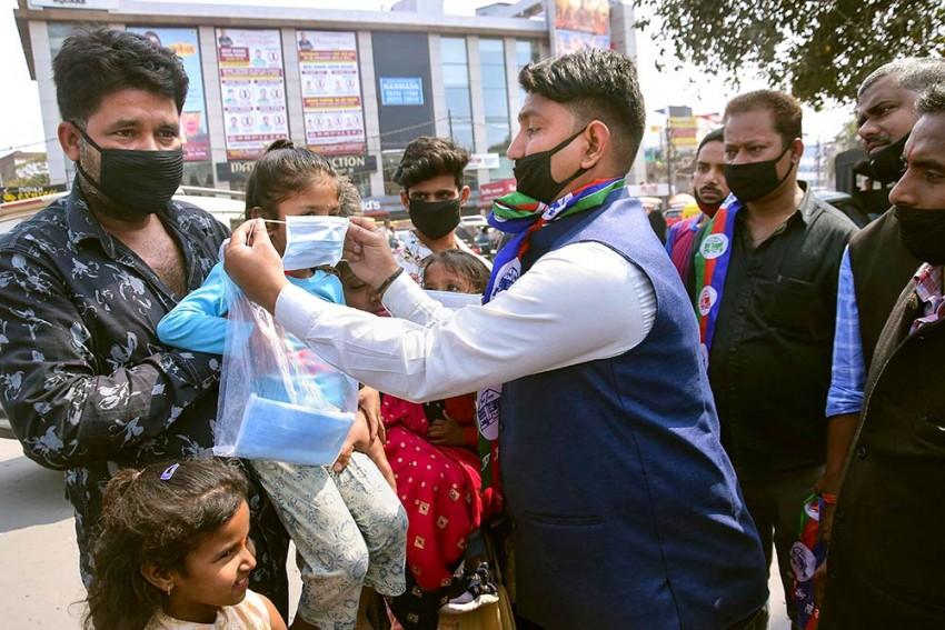Coronavirus: Govt Warns Of Stringent Action Against Hoarding Of Masks, Hand Sanitisers