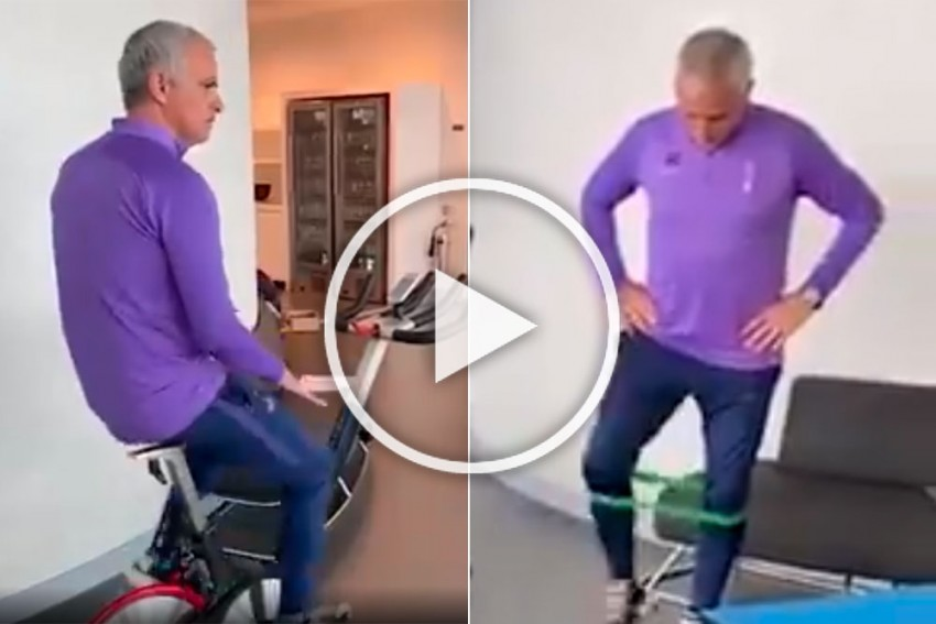No Way, It's Jose! Spurs Boss Mourinho Joins In During Virtual Tottenham Training Session - WATCH