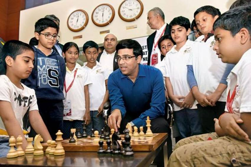COVID-19: Online Chess Exhibition Featuring Viswanathan Anand Raises Rs 4.5 Lakh For PM CARES Fund