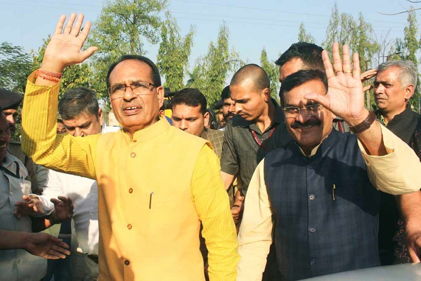 In Middle Of COVID-19 Outbreak, Shivraj Sets Out For Another Tough Task -- To Form MP Cabinet By April 20