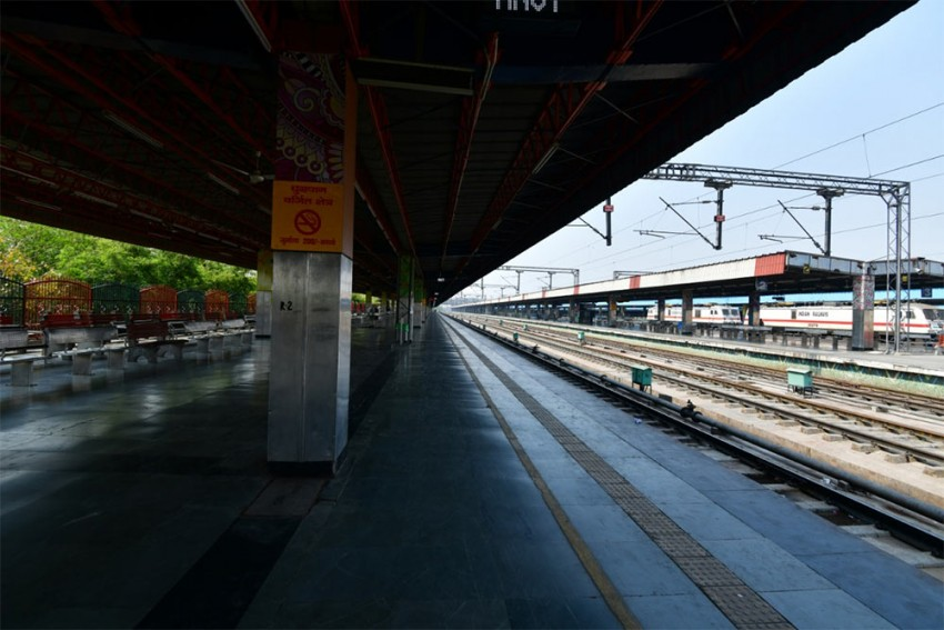 Railways Suspends All Trains Till May 3, Offer Full Refund For Cancellations