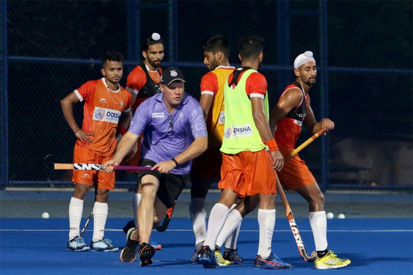 Hockey India, SAI Collaborate To Conduct Online Coaches Development Sessions