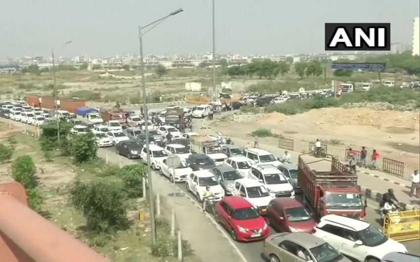 Major Traffic Jam As Delhi-Ghaziabad Border Shut By District Magistrate To Stop Covid Spread