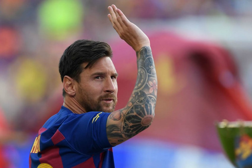 Kaka Picks 'Genius' Lionel Messi Over Cristiano Ronaldo