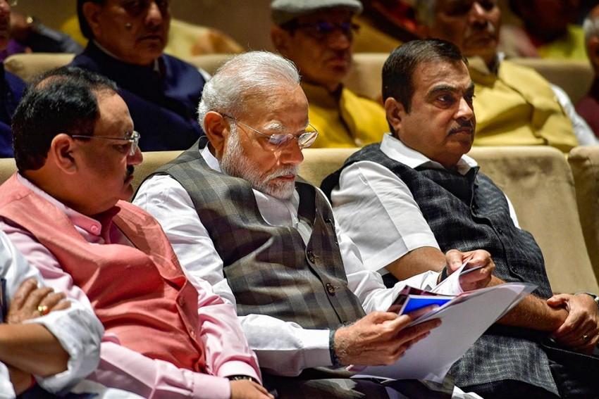 Prepare 'Graded Plan' To Open Departments In Non-Hotspots Of COVID-19: PM Modi To Ministers
