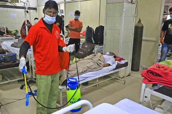 Medical Staff At Mumbai Hospital Protest Over Poor Equipment Quality