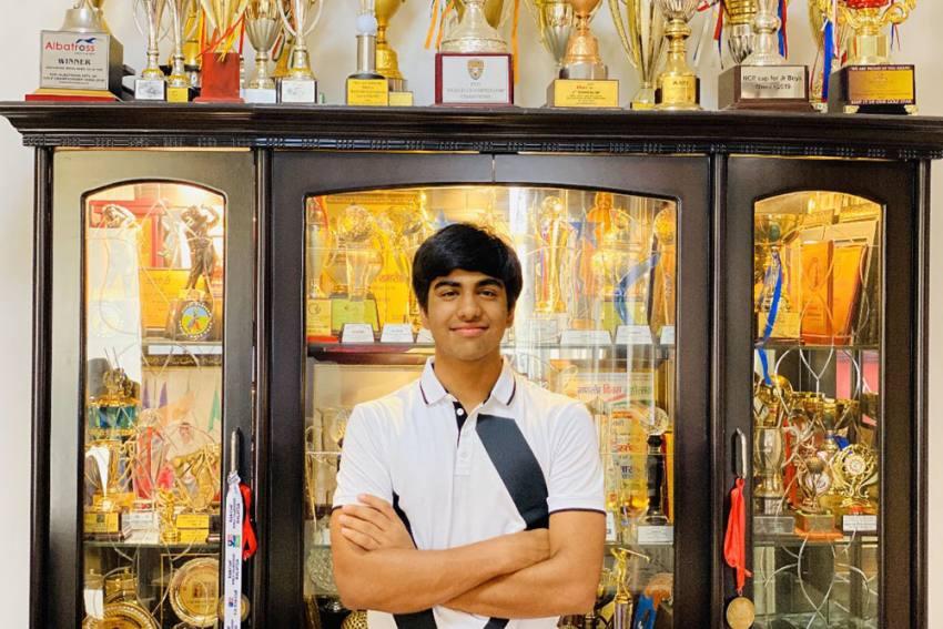 Coronavirus: Indian Golfer Arjun Bhati Sells Trophies To Contribute Towards COVID-19 Fight
