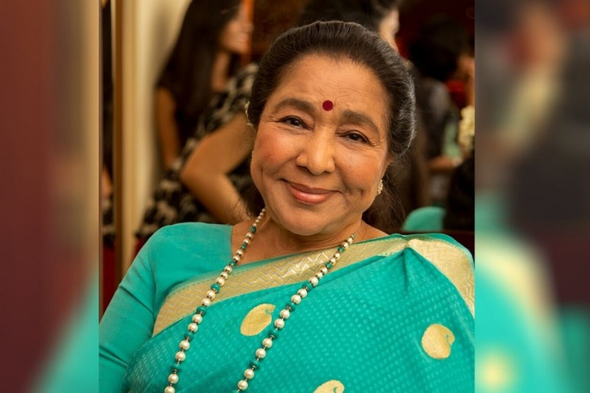 Veteran Singer Asha Bhosle Debuts On YouTube