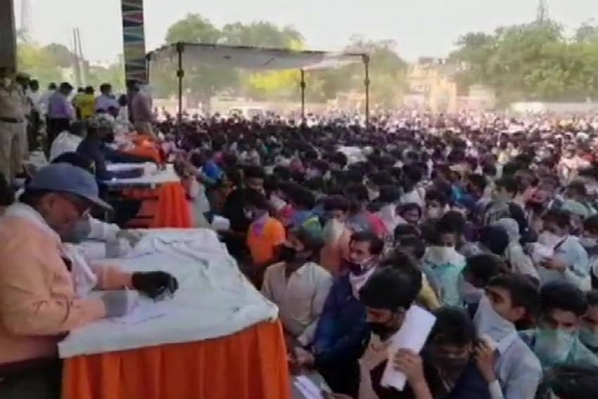 Chaos In Ghaziabad As Thousands Of Migrants Gather To Register For Trains