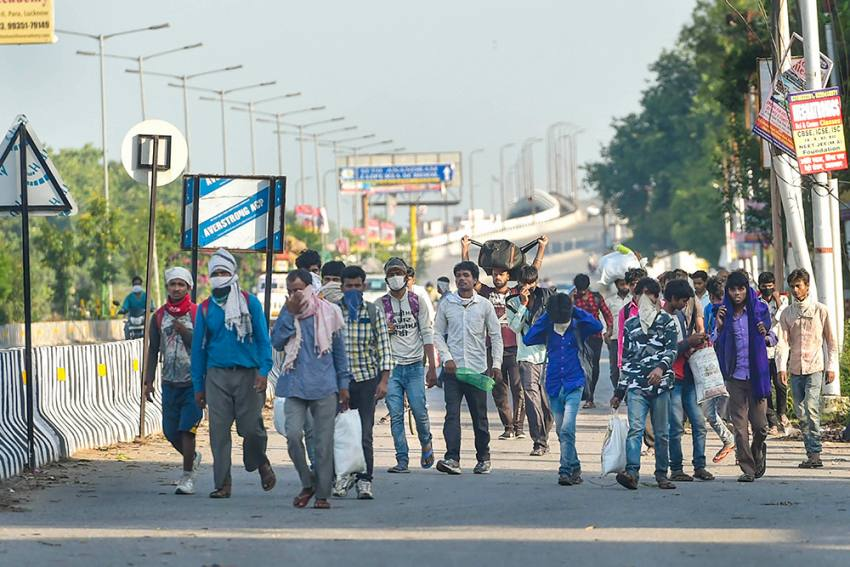 UP Govt Gives Nod To Priyanka Gandhi To Bring In 1000 Buses Carrying Migrants