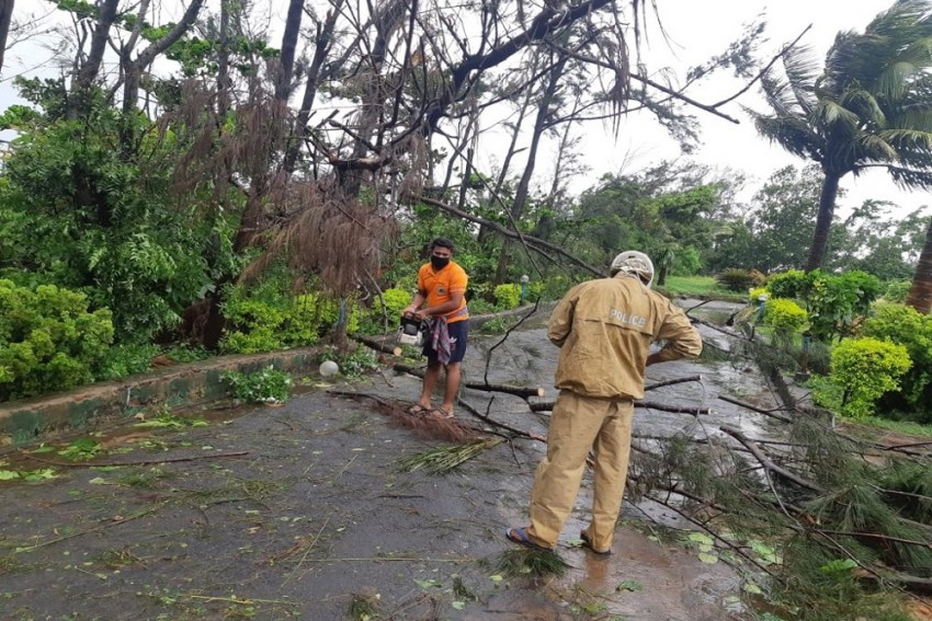 Cyclone Amphan: Heavy Rains, Strong Winds Pound Odisha; 3-Month-Old Killed After Wall Collapse