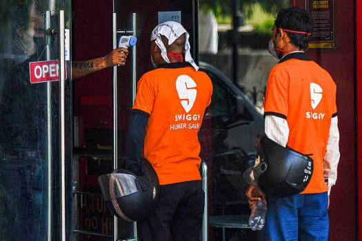 Swiggy, Zomato Begin Home Delivery Of Alcohol, Start From Ranchi