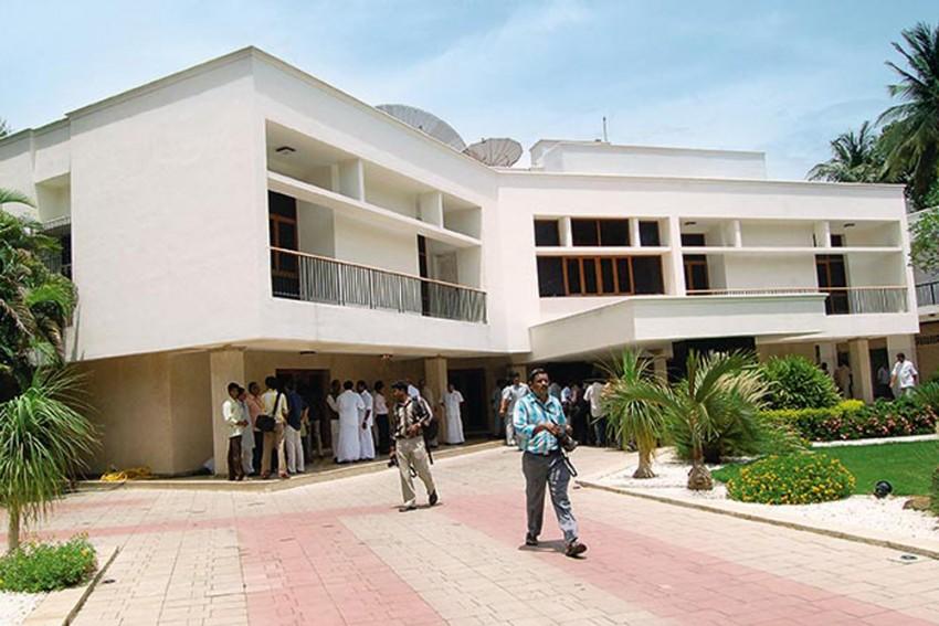 TN Govt Takes Over Jayalalithaa's Bungalow Through Ordinance