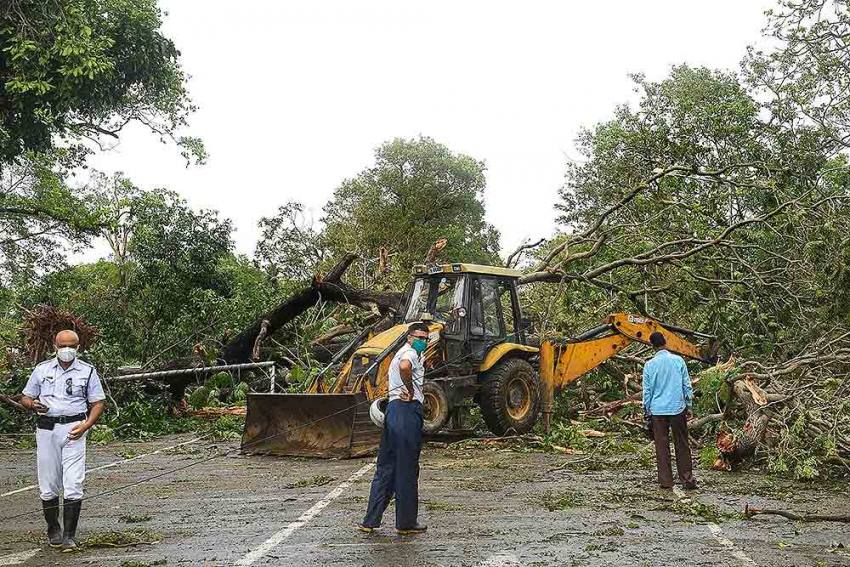 Cyclone Amphan Death Toll Rises To 85 In Bengal; People Protest Over Electricity, Water Supply